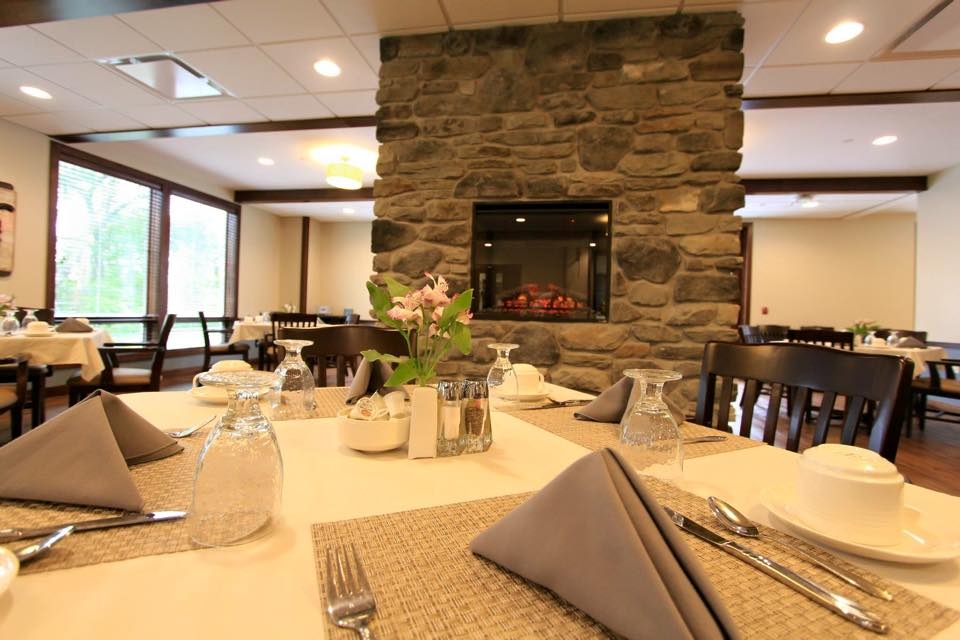 The dining room in at The Classic at Hillcrest Greens
