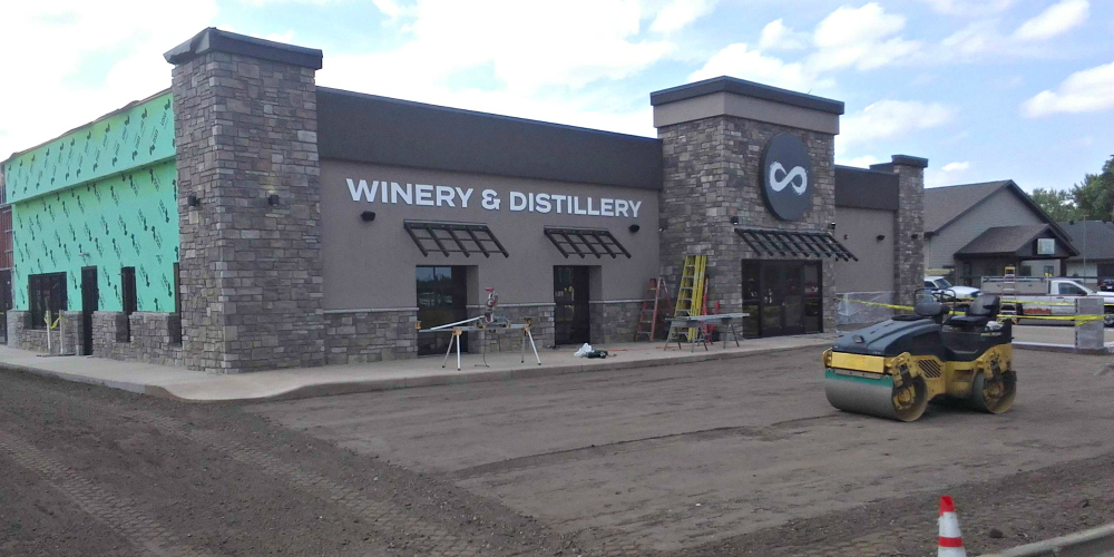 Accent Finishing Provides EIFS at New Infinity Beverages location located on Mall Drive in Eau Claire.